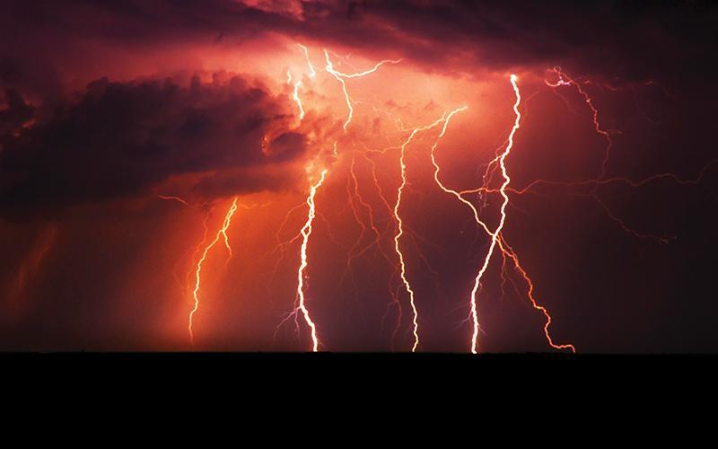 storm lighting online